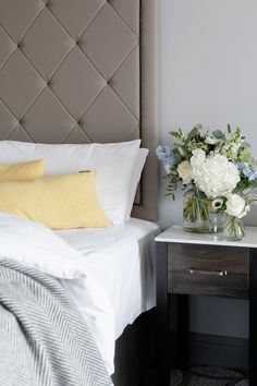 Spacious and elegant, guest rooms at The Davenport are contemporary and comfortable, and feature stunning furniture and excellent amenities.   #hospitality #boutiquehotel #bedroom #interiordesign #design #bed #hotel #ireland #dublin #dublintourism #elegant #thedavenport #thedavenporthotel #thedavenportdublin