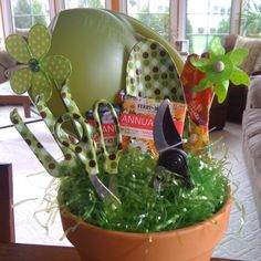 1000 images about gift basket ideas on pinterest unique for Gardening tools gift basket