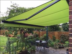 Some great pictures of a Markilux UK 990 full cassette patio awning fitted in the garden of a customer this week, the cassette is in Anthracite Metallic with a great bright Green cover, for all Markilux awnings call Deans Blinds And Awnings on 020-8947-8931 #patio #awnings