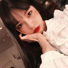 Find images and videos about girl, korean and ulzzang on We Heart It - the app to get lost in what you love. Style Ulzzang, Ulzzang Korean Girl, Makeup Korean Style, Korean Aesthetic, Jung Yoon, Korean Fashion Trends, Fashion Ideas, Cute Korean, Girl Swag