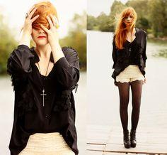 Chicwish Black Shirt, Chicwish Crochet Shorts, Romwe Black Heels