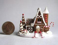 Handmade-Miniature-FAIRY-CHRISTMAS-GINGERBREAD-HOUSE-OOAK-by-C-Rohal