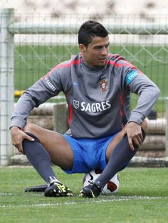 Photo of cristiano big bulge for fans of Cristiano Ronaldo 27401047 Soccer Guys, Ronaldo Soccer, Soccer Ball, Rugby Men, Rugby Players, Rugby League, Men In Uniform, Athletic Men, Sports Stars