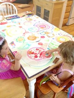 Read the book The Dot, then have fun with a Circle Art Activity - Printing Circles Great for pre or k classes
