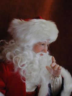 Santa by Bonnie Jones - Great sculpted face and hands!