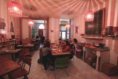 Les Pénates à Flagey,  petit bar ultra sympa, ambiance tamisée et décontractée. On peut même y déguster des tapas !
