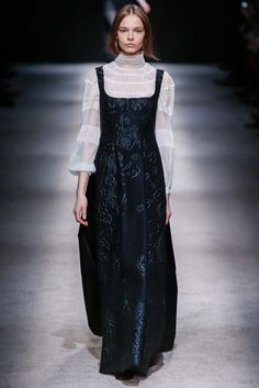 Alberta Ferretti - Fall 2015 Ready-to-Wear - Look 48 of 51?url=http://www.style.com/slideshows/fashion-shows/fall-2015-ready-to-wear/alberta-ferretti/collection/48