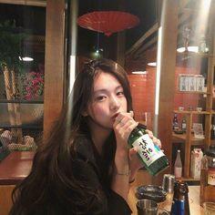 lifestyle chill lifestyle aesthetic aesthetics korean japanese aesthetic beige streets clothes korean style beige aesthetic ethereal minimalistic café coffee tiramisu walking grunge gardens street sings light soft pastel r o s i e Pretty Korean Girls, Cute Korean Girl, Asian Girl, Style Ulzzang, Ulzzang Korean Girl, Korean Aesthetic, Aesthetic Girl, Beige Aesthetic, Japanese Aesthetic