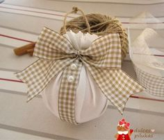 Here are easy Christmas decoration ideas which are within your budget. These dollar store Christmas decor ideas are cheap DIY Frugual Decorations for Xmas. Christmas Candle Decorations, Christmas Bathroom Decor, Diy Christmas Ornaments, Christmas Balls, Homemade Christmas, Christmas Candle Holders, House Decorations, Dollar Store Christmas, Christmas On A Budget