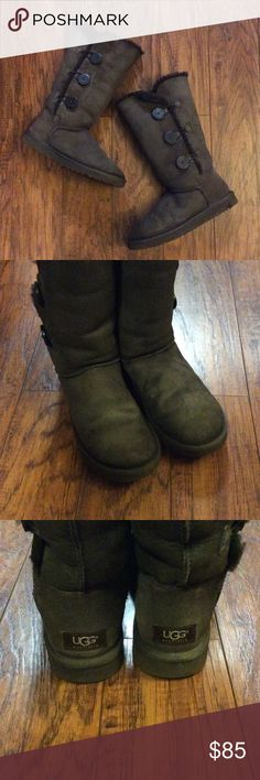Tall Bailey Button UGG Boots Womens brown UGG boots in good used conditon. There are a few flaws but overall they are in good condition. Small mark front right UGG. UGG Shoes