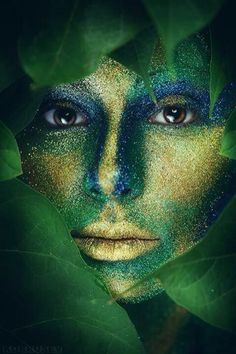 Shades of green Go Green, Green And Gold, Blue Gold, Blue Yellow, Fantasy Makeup, Fantasy Art, Wow Art, Photo Makeup, World Of Color