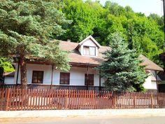 Priestranná novostavba s garážou v Nízkych Tatrách