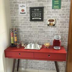 """31 curtidas, 3 comentários - Pridecoraeorganiza (@pridecoraeorganiza) no Instagram: """"Hoje é dia do café. Então segue uma inspiração para o cantinho do café.#decoraeorganiza…"""""""