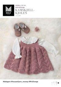 Baby Se her og udskriv din gratis opskrift! Baby Cardigan, Knit Baby Dress, Knitted Baby Clothes, Baby Vest, Baby & Toddler Clothing, Baby Baby, Baby Outfits, Kids Outfits Girls, Toddler Outfits