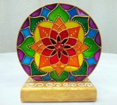 Luminária de mesa com vela Mandala 7 Cores base MDF no Elo7 | MANDALAS EM VITRAL (A682F1) Modern Stained Glass, Stained Glass Crafts, Faux Stained Glass, Stained Glass Patterns Free, Stained Glass Designs, Glass Painting Designs, Paint Designs, Chakra Painting, Mandala Artwork