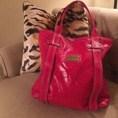 Guess Tote ❤️ Perfect for Valentine's Day! Red tote. Slight creases from storage but otherwise excellent condition. Never used. Guess Bags Totes