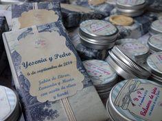 Boda Y&P. Jabones y bálsamos labiales personalizados con aceite de oliva y karité. Hand made soaps with olive oil www.lapompaquerie.com