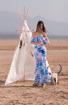Vestido Flores $2,249 Tacones $829 Arracadas Flecos Rosa $389 <3