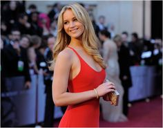 Jennifer Lawerence Why can't I look like her?!!!