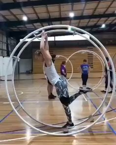i want to try cool hobby dports exercise getit fitness newyork jamaica awesome dance fun funny try life lifestyle perfect cantwait f happy healthyfood health mood share givethanks mckainEnt tv pro new games looksfun Amazing Gymnastics, Gymnastics Videos, Gymnastics Workout, Acrobatic Gymnastics, Wow Video, Funny Memes, Hilarious, Funny Gifs, Funniest Gifs
