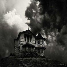 Love creepy old houses