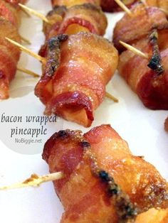wrapped pineapple - have you tried it yet? Bacon Wrapped Pineapple - Only two ingredients and very delicious.Bacon Wrapped Pineapple - Only two ingredients and very delicious. Summer Party Appetizers, Holiday Appetizers, Appetizers For Party, Party Snacks, Hawaiian Appetizers, Tropical Appetizers, Summer Parties, Tea Parties, Party Drinks