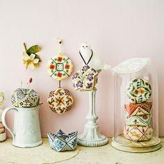 クチュリエ キュートな形のピンクッション めぐる季節を楽しむクロスステッチ・ビスコーニュの会(12回限定コレクション)