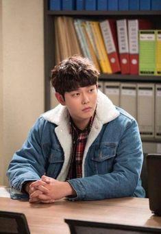 Kyun Sang, Dont Understand, Lee Min Ho, Korean Actors, Kdrama, Jimin, Singing, Tv Shows, Male Artists