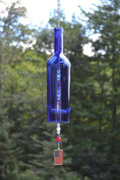 Botella de vino viento Chime/patriótico por WhiteRoosterShoppe