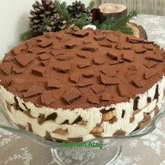 """1,258 Beğenme, 8 Yorum - Instagram'da enfesss_mutfaklar😍🏠🛍🥗l (@enfesss_mutfaklar): """"Sunum @reyhanatac16 Hayırlı nurlu cumalar Arkadaşlar😘😘 Akşam videosunu paylaştığım #çikolatalı…"""" Honey Dessert, Cake Recipes, Snack Recipes, Trifle Pudding, Buy Cake, Pastry Cake, Turkish Recipes, Pavlova, Chocolate Desserts"""