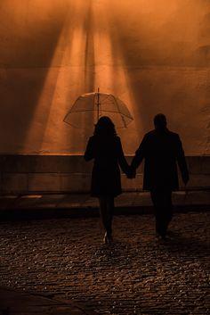 #irenecazonfotografia #fotografiaNatural #fotografiaConAlma #Asturias #boda #bodasnet #bodasasturias #bodasgijon #pareja#preboda Railroad Tracks, Concert, Couples, Fotografia, Concerts, Train Tracks