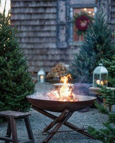a great idea. Perhaps decorate the pergola and set up a table and a couple of chairs to sit by the fire on Christmas eve.Such a great idea. Perhaps decorate the pergola and set up a table and a couple of chairs to sit by the fire on Christmas eve. Country Christmas, Winter Christmas, Christmas Garden, Xmas, Christmas Ideas, Christmas Feeling, Outdoor Christmas, Outdoor Fire, Outdoor Living