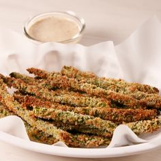 Healthy Dinner Recipes Discover Parmesan Asparagus Fries Kicking potatoes to the curb. Veggie Recipes, Healthy Dinner Recipes, Appetizer Recipes, Diet Recipes, Healthy Snacks, Vegetarian Recipes, Chicken Recipes, Cooking Recipes, Veggie Food