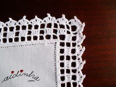 *** Pormenor do canto do picô de crochet, do individual branco