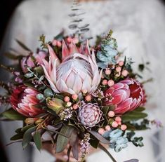 what are the best fall wedding flowers Protea Wedding, Blush Wedding Flowers, Rustic Wedding Flowers, Bridal Flowers, Flower Bouquet Wedding, Floral Wedding, Rustic Bouquet, Protea Bouquet, Protea Flower