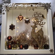 How to Make Easy Christmas Decorations for your Home - Shadow Boxes Christmas DIY Decorations Easy and Cheap Christmas Shadow Boxes, Christmas Frames, Simple Christmas, Christmas Projects, Christmas Diy, Cadre Diy, Box Frame Art, Easy Christmas Decorations, Easy Decorations