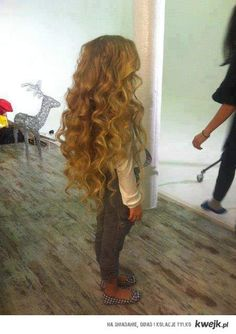 this. little. girls. hair.