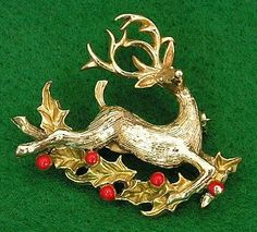 vintage christmas pins beatrix | Vintage Gerry's Christmas Pin Reindeer Holly Brooch