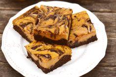 Cream cheese swirl brownies at Topisaw General Store. Healthy Desserts, Dessert Recipes, Winter Food, Pumpkin Recipes, Cake Cookies, No Bake Cake, Halloween, Street Food, Good Food
