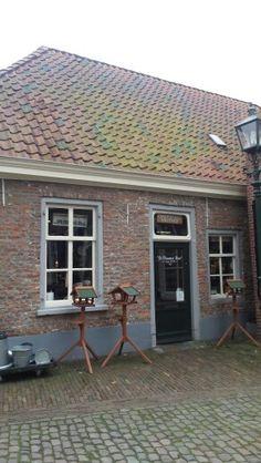 De Vlaamse Reus, een van mijn favoriete winkels in Oirschot. Ik koop er vogelvoer.