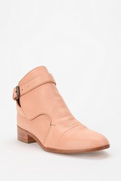 Just peachy #urbanoutfitters