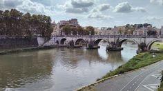 Pont Mazzini de Roma, també conegut com a pont Gianicolense donat la seva ubicació als peus del turó del Janículo. Els treballs de construcció es van iniciar en 1904 seguint el projecte dels arquitectes Viviani i Moretti.  Mazzini connecta, el barri de Trastevere, amb l'altre costat del riu on és troba el barri veí de la Regola.