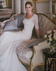 sleek and cute wedding dress
