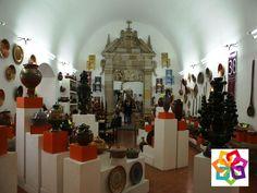 MICHOACÁN MÁGICO TE INVITA ¿Dónde está el Museo Michoacano de las artesanías? Está ubicado en el primer cuadro de la capital moreliana, frente a la Plaza Valladolid, dentro de las instalaciones del Ex Convento de San Francisco, fundado en 1531. Es un espacio que el gobierno del estado estableció desde 1984 para exponer al público, una importante colección de mil 100 piezas y demostración de la creatividad del pueblo michoacano. http://www.hotellacasita.com.mx/