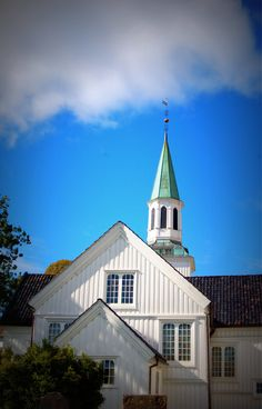 Risør church, Norway Land Of Midnight Sun, Norway Viking, Old Country Churches, Church News, Sacred Architecture, Church Interior, Cathedral Church, White City, Mosques