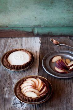 Gluten free Almond and Peach Tarts | Fork Spoon Knife