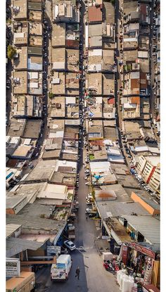 """Photographer Aydin Büyüktas' background in film and visual effects really shows in """"Flatland"""", a cinematic series of drone footage digitally manipulated to create shots of Istanbul which seem to fold over on themselves. Büyüktas must have loved Inception. Aerial Photography, Landscape Photography, Art Photography, Street Photography, City Landscape, Urban Landscape, Film Inception, Fotografia Drone, Affinity Photo"""