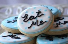 "Alice in Wonderland Eat Me | adorable ""Eat Me"" cookies are ideal for fans of ""Alice in Wonderland ..."