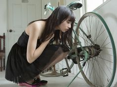 neopoci: 小松菜奈 18 first photo book Poses, Fashion Photo, Girl Fashion, Top Mode, Cycling Girls, Bicycle Girl, Homo, Japan Girl, Raincoats For Women
