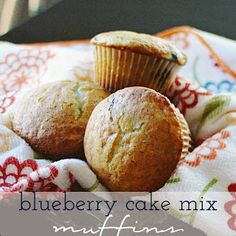 Carissa Miss: Blueberry Cake Mix Muffins